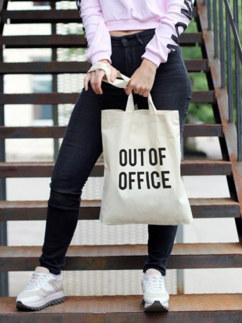 "Сумка ""Out of office"""